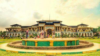 Istana-Maimun-tempat-wisata-di-Medan-1024x576